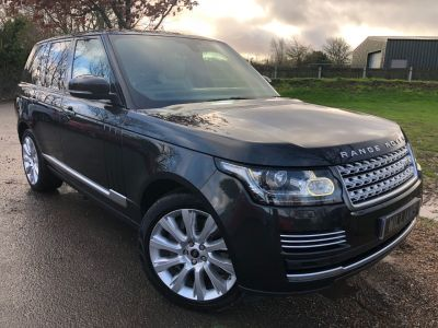 Land Rover Range Rover 4.4 SDV8 Vogue SE 4dr Auto (21in Alloys! Pan Roof! +++) Estate Diesel Causeway Grey Premium MetallicLand Rover Range Rover 4.4 SDV8 Vogue SE 4dr Auto (21in Alloys! Pan Roof! +++) Estate Diesel Causeway Grey Premium Metallic at Williams Group Maidstone