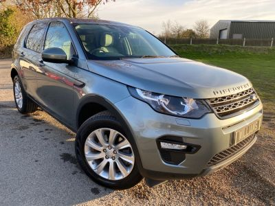 Land Rover Discovery Sport 2.2 SD4 SE Tech 5dr Auto (Heated Steering Wheel! +++) Estate Diesel Scotia Grey MetallicLand Rover Discovery Sport 2.2 SD4 SE Tech 5dr Auto (Heated Steering Wheel! +++) Estate Diesel Scotia Grey Metallic at Williams Group Maidstone