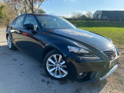 Lexus IS 2.5 300h Executive Edition 4dr CVT Auto (1 Owner! FSH! Keyless! ++) Saloon Petrol / Electric Hybrid BlackLexus IS 2.5 300h Executive Edition 4dr CVT Auto (1 Owner! FSH! Keyless! ++) Saloon Petrol / Electric Hybrid Black at Williams Group Maidstone