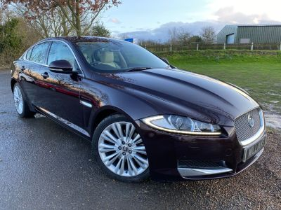 Jaguar XF 3.0d V6 Portfolio 4dr Auto (Bowers + Wilkins! 19in Alloys! +) Saloon Diesel Caviar Red MetallicJaguar XF 3.0d V6 Portfolio 4dr Auto (Bowers + Wilkins! 19in Alloys! +) Saloon Diesel Caviar Red Metallic at Williams Group Maidstone