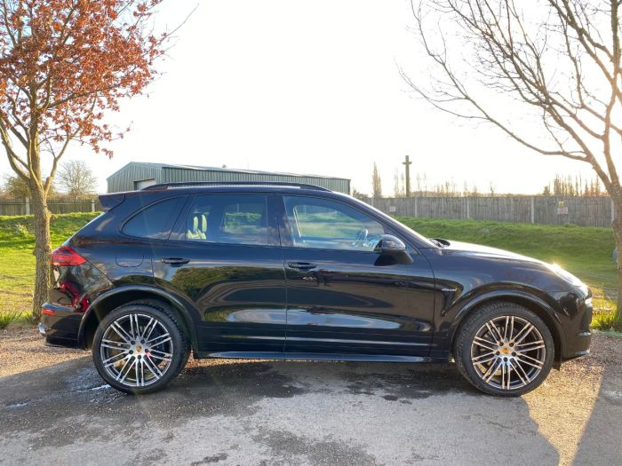 Porsche Cayenne 3.0 TD Tiptronic 4WD (s/s) 5dr (21in Alloys! PASM! Pan Roof! +) SUV Diesel Jet Black Metallic