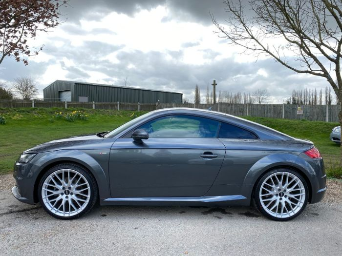Audi TT 2.0T FSI Quattro S Line 2dr S Tronic (Tech Pack! LED Headlights! ++) Coupe Petrol Daytona Grey Pearl