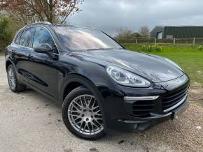 Porsche Cayenne 3.0 Diesel 5dr Tiptronic S (20in Alloys! Pan Roof! DAB! ++) Estate Diesel Jet Black Metallic at Williams Group Ltd Maidstone