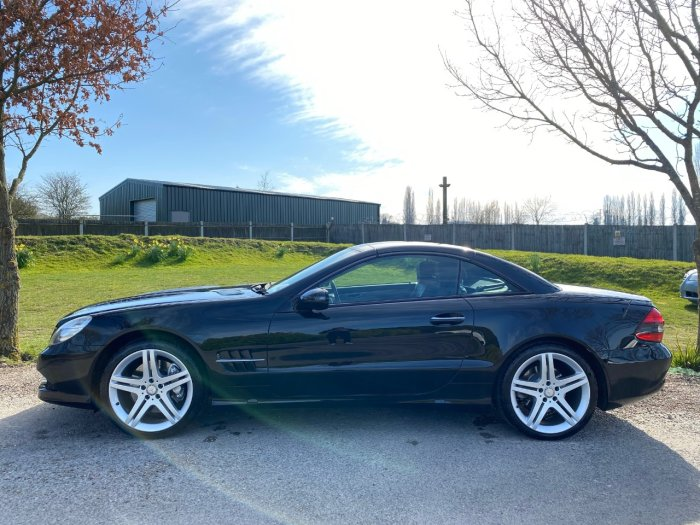 Mercedes-Benz SL Class 3.5 SL 350 2dr Tip Auto (19in Alloys! Sports Pack! ++) Convertible Petrol Obsidian Black Metallic