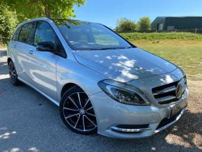 Mercedes-Benz B 200 1.8 BLUEEFFICIENCY Sport (Pan Roof! Exclusive Pack! ++) MPV Diesel Polar Silver Metallic at Williams Group Ltd Maidstone