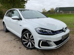 Volkswagen Golf 1.4 TSI GTE Advance 5dr DSG (1 Owner! Low Miles! FVWSH! ++) Hatchback Petrol / Electric Hybrid Pure White at Williams Group Ltd Maidstone