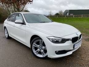 BMW 3 Series 3.0 330d xDrive SE 4dr Step Auto [Business Media] (Parking Pack! Heated Seats! +++) Saloon Diesel Alpine White at Williams Group Ltd Maidstone