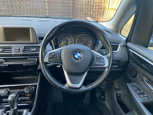 2017 BMW 2 Series 1.5 216d Sport 5dr Step Auto (Sat Nav! Privacy Glass! +++)