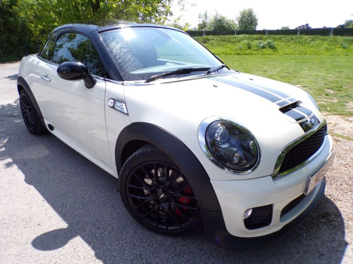 Mini Coupe 1.6 John Cooper Works 3dr [Start Stop] (CHILI Pack! Heated Seats! ++) Coupe Petrol Pepper White