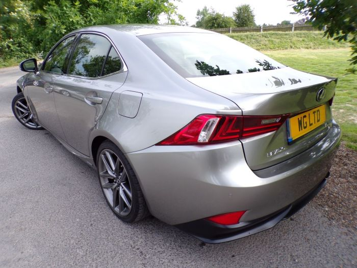 Lexus IS 2.5 300h F-Sport 4dr CVT Auto (Cooled Seats! Full Leather! +++) Saloon Petrol / Electric Hybrid Titanium Silver Metallic