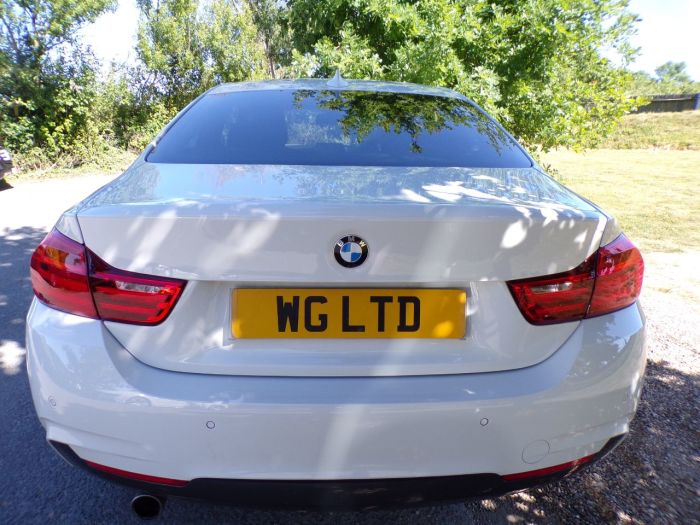BMW 4 Series 2.0 420i xDrive M Sport 2dr Auto (19in Alloys! Low Miles! DAB! +) Coupe Petrol Alpine White