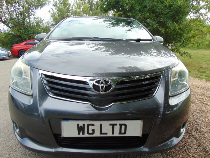 Toyota Avensis 1.8 V-matic TR 4dr CVT Auto (Climate Control! ++) Saloon Petrol Grey