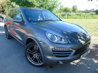 Porsche Cayenne 3.0 Diesel [245] 5dr Tiptronic S (21in Turbo II Alloys! PCM Nav! +) Estate Diesel Meteor Grey MetallicPorsche Cayenne 3.0 Diesel [245] 5dr Tiptronic S (21in Turbo II Alloys! PCM Nav! +) Estate Diesel Meteor Grey Metallic at Williams Group Maidstone Maidstone