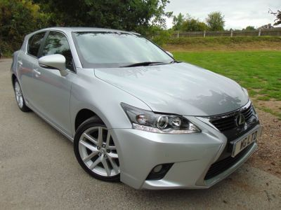 Lexus CT 200h 1.8 Advance 5dr CVT Auto (1 Owner! Nav! DAB! +++) Hatchback Petrol / Electric Hybrid Satin Silver MetallicLexus CT 200h 1.8 Advance 5dr CVT Auto (1 Owner! Nav! DAB! +++) Hatchback Petrol / Electric Hybrid Satin Silver Metallic at Williams Group Maidstone