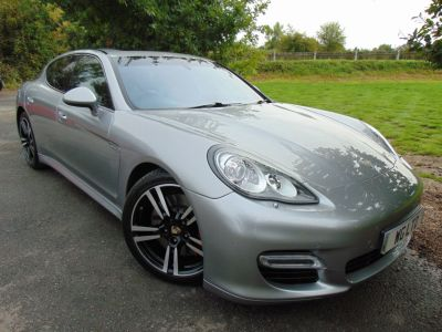 Porsche Panamera 4.8 V8 Turbo 4dr PDK (PDCC! Sports Exhaust! Sunroof! ++) Hatchback Petrol Gt Silver Special MetallicPorsche Panamera 4.8 V8 Turbo 4dr PDK (PDCC! Sports Exhaust! Sunroof! ++) Hatchback Petrol Gt Silver Special Metallic at Williams Group Maidstone