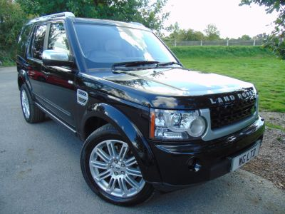 Land Rover Discovery 3.0 SDV6 HSE Luxury 5dr Auto (Rear Entertainment! Logic 7! ++) Estate Diesel Santorini Black MetallicLand Rover Discovery 3.0 SDV6 HSE Luxury 5dr Auto (Rear Entertainment! Logic 7! ++) Estate Diesel Santorini Black Metallic at Williams Group Maidstone
