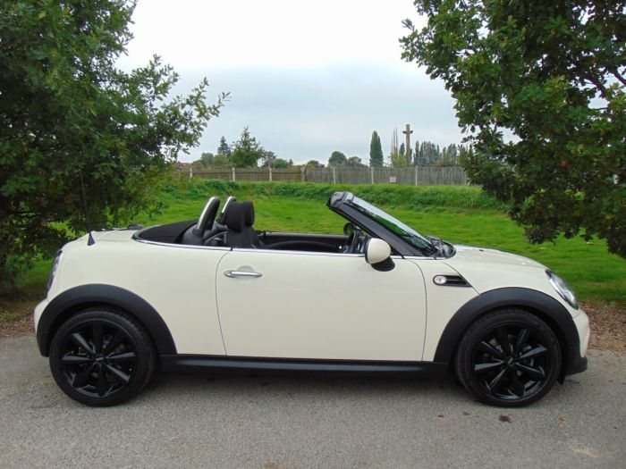 Mini Roadster 1.6 Cooper 2dr (CHILI Pack! 17in Conicals! ++) Convertible Petrol Pepper White