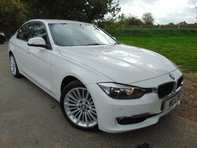 BMW 3 Series 2.0 328i Luxury 4dr (Rear Camera! Heated Seats! ++) Saloon Petrol Alpine WhiteBMW 3 Series 2.0 328i Luxury 4dr (Rear Camera! Heated Seats! ++) Saloon Petrol Alpine White at Williams Group Maidstone