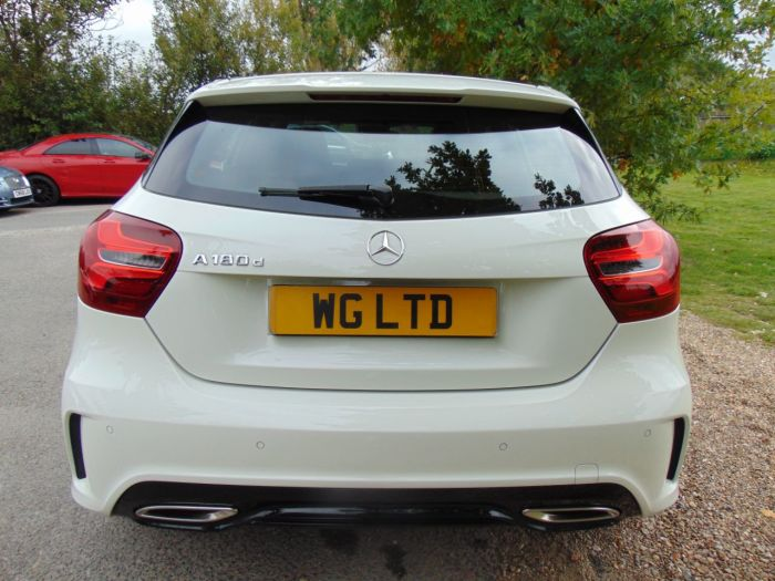 Mercedes-Benz A Class 1.5 A180d AMG Line Premium 5dr (Full Merc SH! 18in Alloys! ++) Hatchback Diesel Arctic White