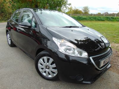 Peugeot 208 1.4 HDi Access+ 5dr (Cruise! Air Con! +++) Hatchback Diesel Obsidian NoirPeugeot 208 1.4 HDi Access+ 5dr (Cruise! Air Con! +++) Hatchback Diesel Obsidian Noir at Williams Group Maidstone