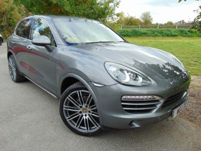 Porsche Cayenne 3.0 TD Tiptronic S AWD 5dr (PCM! Pan Roof! Bluetooth! +++) Estate Diesel Meteor Grey MetallicPorsche Cayenne 3.0 TD Tiptronic S AWD 5dr (PCM! Pan Roof! Bluetooth! +++) Estate Diesel Meteor Grey Metallic at Williams Group Maidstone