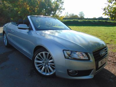 Audi A5 2.7 TDI SE 2dr Multitronic (18in Alloys! Acoustic Hood! ++) Convertible Diesel Micrometallic Platinum SilverAudi A5 2.7 TDI SE 2dr Multitronic (18in Alloys! Acoustic Hood! ++) Convertible Diesel Micrometallic Platinum Silver at Williams Group Maidstone