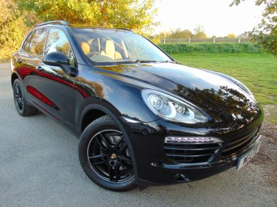 Porsche Cayenne 3.0 Diesel [245] 5dr Tiptronic S (PCM! Pan Roof! BOSE! +++) Estate Diesel BlackPorsche Cayenne 3.0 Diesel [245] 5dr Tiptronic S (PCM! Pan Roof! BOSE! +++) Estate Diesel Black at Williams Group Maidstone