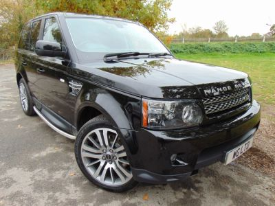 Land Rover Range Rover Sport 3.0 SDV6 HSE 5dr Auto (Sunroof! Dual View TV! +++) Estate Diesel Santorini Black MetallicLand Rover Range Rover Sport 3.0 SDV6 HSE 5dr Auto (Sunroof! Dual View TV! +++) Estate Diesel Santorini Black Metallic at Williams Group Maidstone