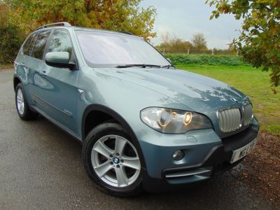 BMW X5 3.0 xDrive35d SE 5dr Auto (Pan Roof! Media Pack! +++) Estate Diesel Mineral Green MetallicBMW X5 3.0 xDrive35d SE 5dr Auto (Pan Roof! Media Pack! +++) Estate Diesel Mineral Green Metallic at Williams Group Maidstone