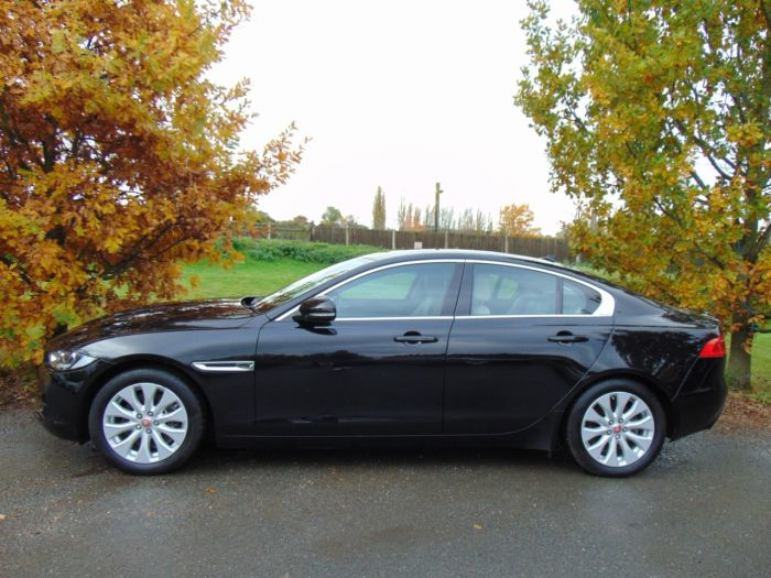 Jaguar XE 2.0d Prestige 4dr Auto (InControl! Privacy Glass! ++) Saloon Diesel Narvik Black