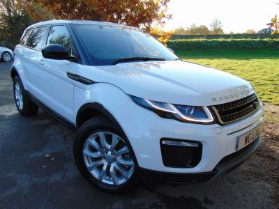Land Rover Range Rover Evoque 2.0 TD4 SE Tech 5dr Auto (Pan Roof! Keyless! Low Miles! ++) Estate Diesel Fuji WhiteLand Rover Range Rover Evoque 2.0 TD4 SE Tech 5dr Auto (Pan Roof! Keyless! Low Miles! ++) Estate Diesel Fuji White at Williams Group Maidstone