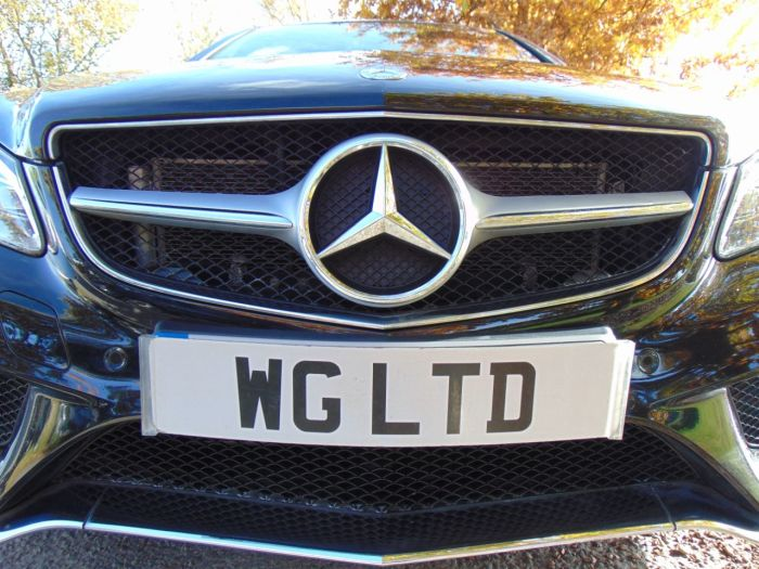Mercedes-Benz E Class 3.5 E400 AMG Line 2dr 7G-Tronic (Pan Roof! Harman Kardon! ++) Coupe Petrol Obsidian Black Metallic