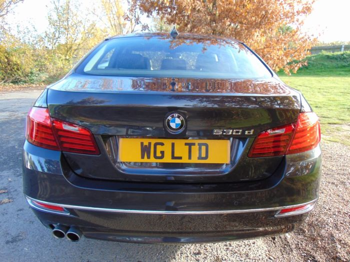 BMW 5 Series 3.0 530d Luxury 4dr Step Auto (Comfort Pack! Sunroof! +++) Saloon Diesel Sophisto Grey Ii Xirallic