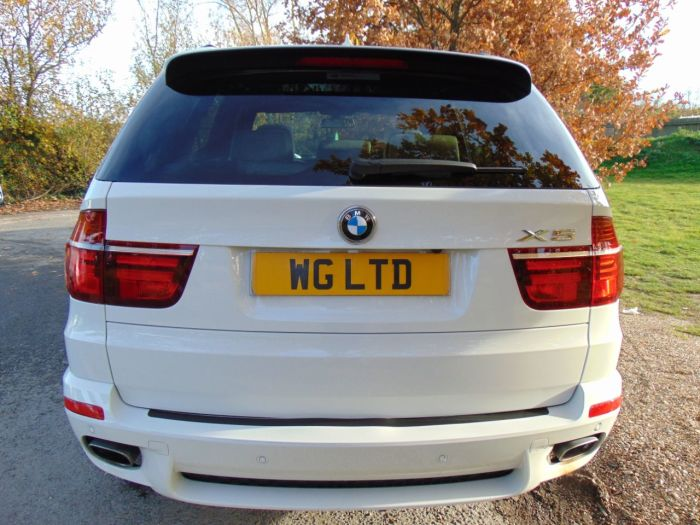 BMW X5 3.0 xDrive40d M Sport 5dr Auto (Media Pack! Pan Roof! FSH! +++) Estate Diesel Alpine White