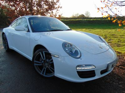 Porsche 911 3.6 2dr PDK (19in Turbo Alloys! Nav! ++) Coupe Petrol Porsche Carrera WhitePorsche 911 3.6 2dr PDK (19in Turbo Alloys! Nav! ++) Coupe Petrol Porsche Carrera White at Williams Group Maidstone
