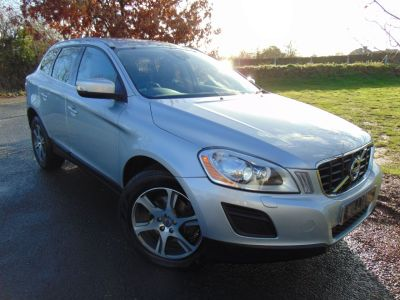 Volvo XC60 2.0 D4 [163] SE Lux 5dr Geartronic (Bluetooth! Rear Sensors! ++) Estate Diesel Silver MetallicVolvo XC60 2.0 D4 [163] SE Lux 5dr Geartronic (Bluetooth! Rear Sensors! ++) Estate Diesel Silver Metallic at Williams Group Maidstone