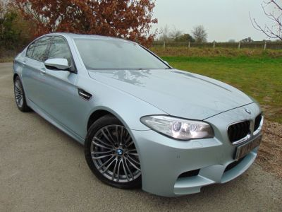 BMW M5 4.4 M5 4dr DCT (Heads-Up! Sunroof! 1 Owner! ++) Saloon Petrol Silverstone Blue MetallicBMW M5 4.4 M5 4dr DCT (Heads-Up! Sunroof! 1 Owner! ++) Saloon Petrol Silverstone Blue Metallic at Williams Group Maidstone