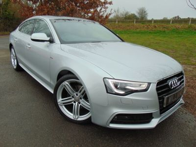 Audi A5 2.0 TDI 177 S Line 5dr [5 Seat] (Tech Pack! Sunroof! 19in Alloys! ++) Hatchback Diesel Ice Silver MetallicAudi A5 2.0 TDI 177 S Line 5dr [5 Seat] (Tech Pack! Sunroof! 19in Alloys! ++) Hatchback Diesel Ice Silver Metallic at Williams Group Maidstone