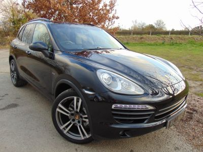 Porsche Cayenne 4.1 S Diesel 5dr Tiptronic S (21in Alloys! PCM! Pan Roof! +++) Estate Diesel Jet Black MetallicPorsche Cayenne 4.1 S Diesel 5dr Tiptronic S (21in Alloys! PCM! Pan Roof! +++) Estate Diesel Jet Black Metallic at Williams Group Maidstone