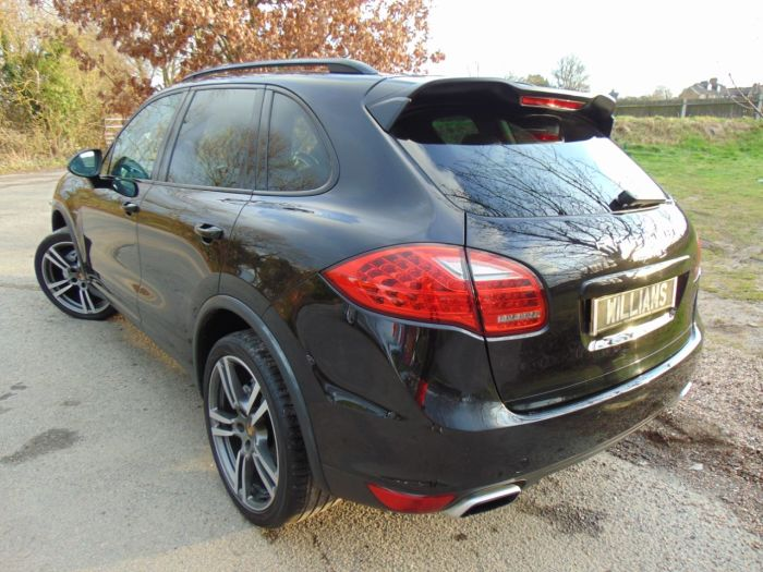 Porsche Cayenne 4.1 S Diesel 5dr Tiptronic S (21in Alloys! PCM! Pan Roof! +++) Estate Diesel Jet Black Metallic