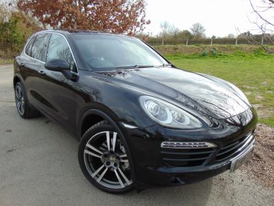Porsche Cayenne 4.8 S 5dr Tiptronic S (Adaptive Cruise! Pan Roof! ++) Estate Petrol Jet Black MetallicPorsche Cayenne 4.8 S 5dr Tiptronic S (Adaptive Cruise! Pan Roof! ++) Estate Petrol Jet Black Metallic at Williams Group Maidstone