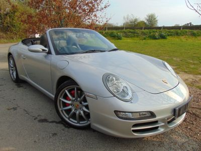 Porsche 911 Carrera S 3.8 Cabriolet 2dr (PCM Nav! BOSE! Sport Chrono Plus!) Convertible Petrol Arctic White MetallicPorsche 911 Carrera S 3.8 Cabriolet 2dr (PCM Nav! BOSE! Sport Chrono Plus!) Convertible Petrol Arctic White Metallic at Williams Group Maidstone