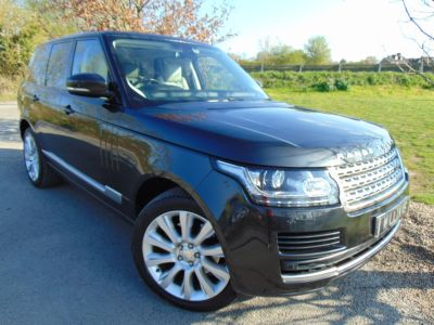 Land Rover Range Rover 3.0 TDV6 Vogue 4dr Auto (21in Alloys! Pan Roof! FSH! ++) Estate Diesel Causeway Grey Premium MetallicLand Rover Range Rover 3.0 TDV6 Vogue 4dr Auto (21in Alloys! Pan Roof! FSH! ++) Estate Diesel Causeway Grey Premium Metallic at Williams Group Maidstone