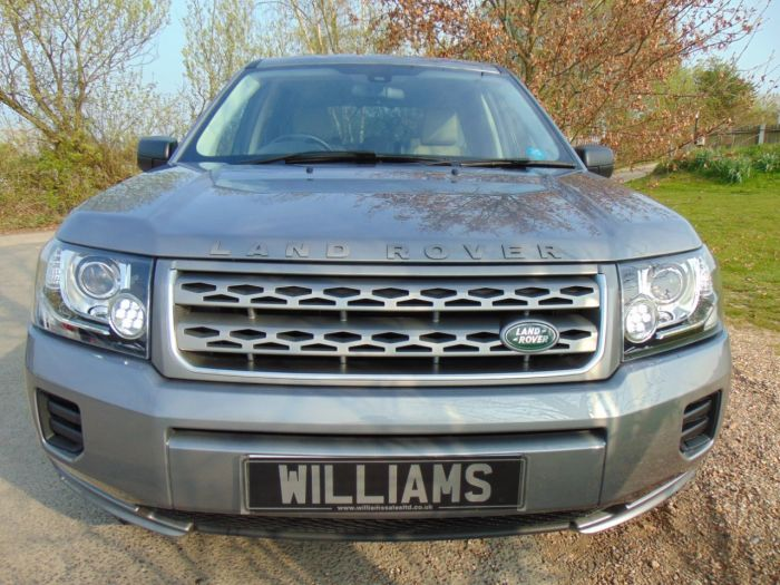 Land Rover Freelander 2.2 TD4 GS 5dr Auto (FSH! DAB! Rear Sensors! ++) Estate Diesel Orkney Grey