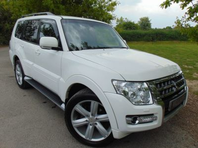 Mitsubishi Shogun 3.2 DI-DC [187] SG4 5dr Auto (Rear Entertainment! FMSH! ++) Estate Diesel Warm WhiteMitsubishi Shogun 3.2 DI-DC [187] SG4 5dr Auto (Rear Entertainment! FMSH! ++) Estate Diesel Warm White at Williams Group Maidstone