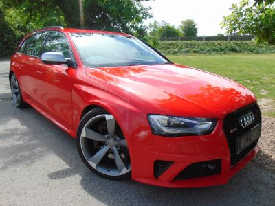 Audi RS4 4.2 FSI Quattro 5dr S Tronic (Sports Pack! Pan Roof! ACC! ++) Estate Petrol Misano Red PearlAudi RS4 4.2 FSI Quattro 5dr S Tronic (Sports Pack! Pan Roof! ACC! ++) Estate Petrol Misano Red Pearl at Williams Group Maidstone