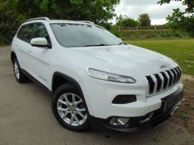 Jeep Cherokee 2.0 CRD Longitude 4WD (s/s) 5dr (FSH! Rear Sensors! ++) SUV Diesel Bright WhiteJeep Cherokee 2.0 CRD Longitude 4WD (s/s) 5dr (FSH! Rear Sensors! ++) SUV Diesel Bright White at Williams Group Maidstone