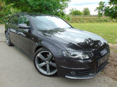 Audi A4 2.0 TDI Quattro 170 Black Edition 5dr [SS] (Tech Pack! Bang+Olufsen! +++) Estate Diesel Grey PearlAudi A4 2.0 TDI Quattro 170 Black Edition 5dr [SS] (Tech Pack! Bang+Olufsen! +++) Estate Diesel Grey Pearl at Williams Group Maidstone