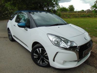 Ds Ds 3 1.2 PureTech 82 Chic 3dr (Contrast Roof! FCSH! +++) Hatchback Petrol WhiteDs Ds 3 1.2 PureTech 82 Chic 3dr (Contrast Roof! FCSH! +++) Hatchback Petrol White at Williams Group Maidstone