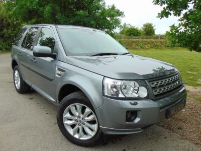 Land Rover Freelander 2.2 SD4 HSE 5dr Auto (Privacy Glass! Pan Roof! +++) Estate Diesel Orkney Grey MetallicLand Rover Freelander 2.2 SD4 HSE 5dr Auto (Privacy Glass! Pan Roof! +++) Estate Diesel Orkney Grey Metallic at Williams Group Maidstone
